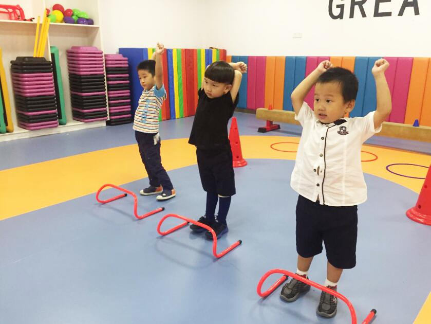 合理的课程设计,监护儿童体适能发展